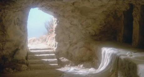 Mit keresitek a holtak között az élőt? Nincs itt, hanem feltámadt.