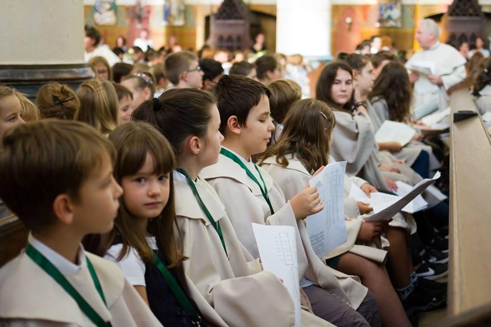 Énekes Iskolák Veni Sancte szentmiséje